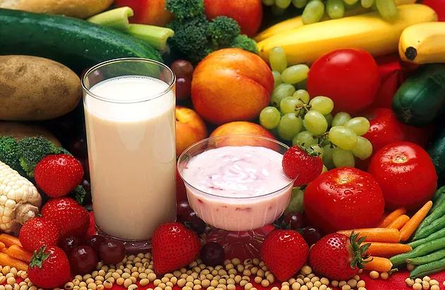 ¿Es malo comer fruta de noche?